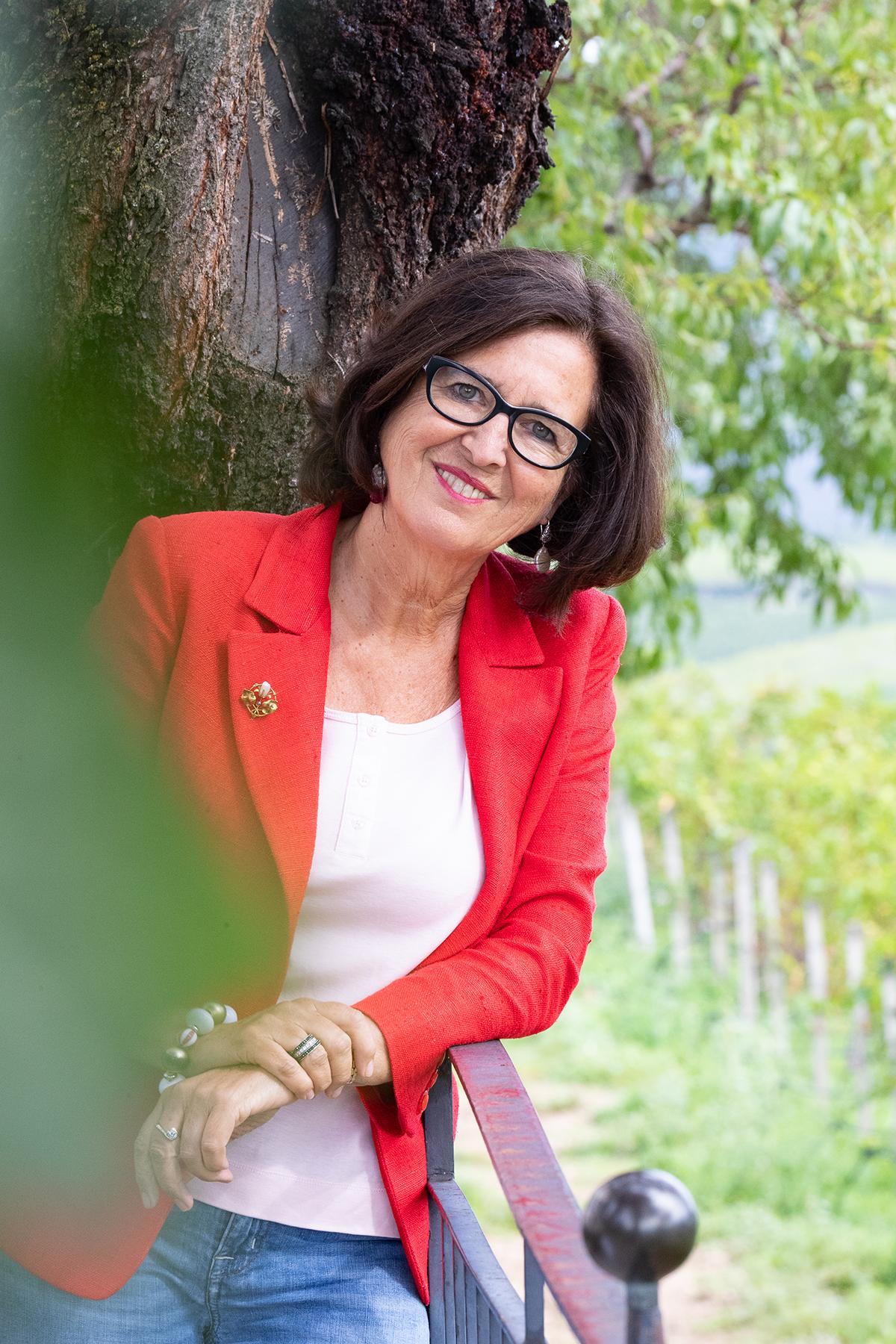 Le signore del vino. Fiore all'occhiello dell'Alto Adige, Elena Walch racconta il suo amore per il vino