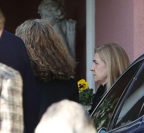 Familiares y amigos acuden a la misa funeral por la infanta Pilar
