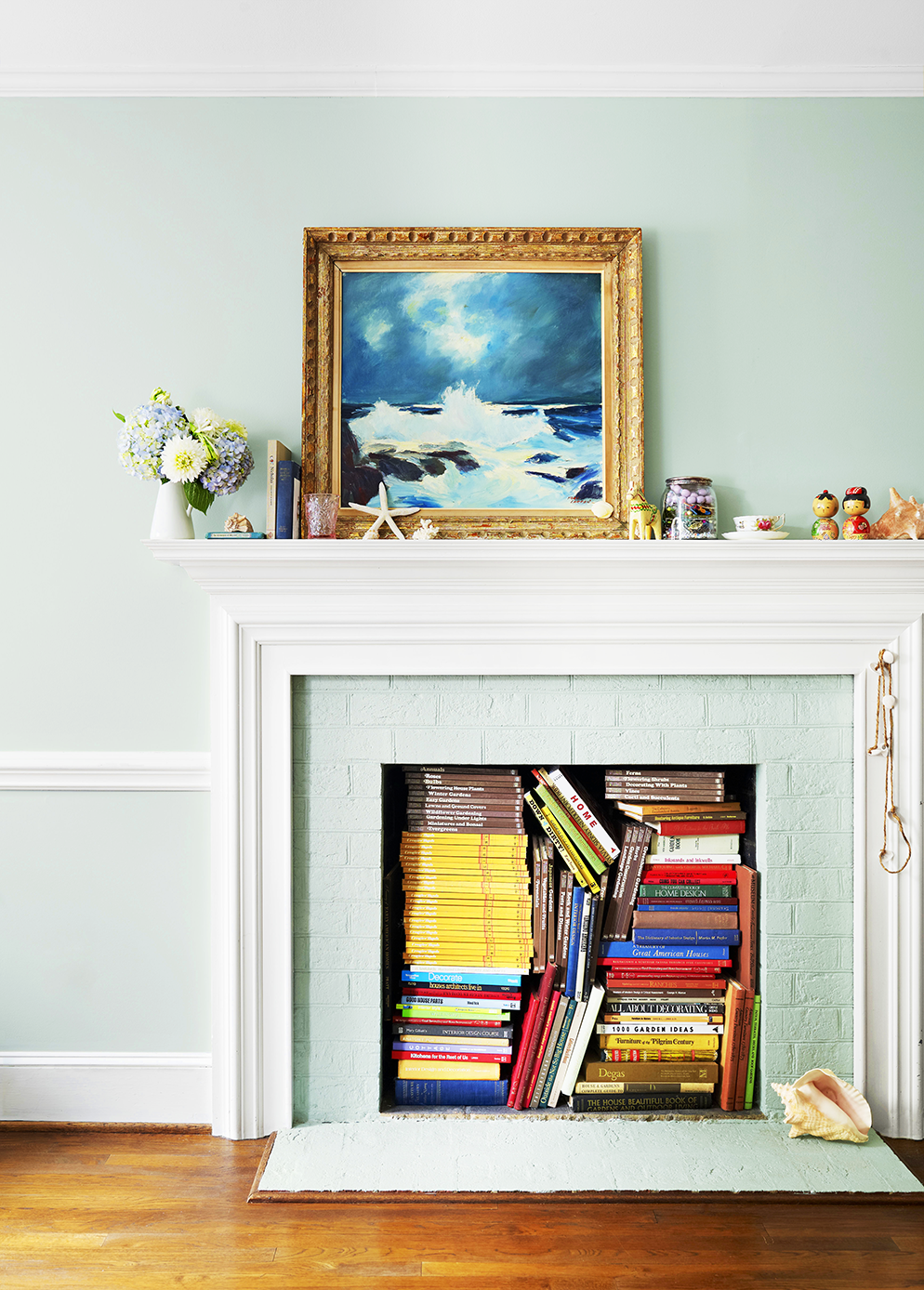 15 Fireplace Ideas to Elevate Any Mantel Anytime of the Year