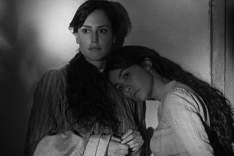 """""""Elisa y Marcela"""""""
