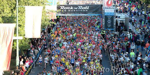 Start of the 2013 Philadelphia Half Marathon