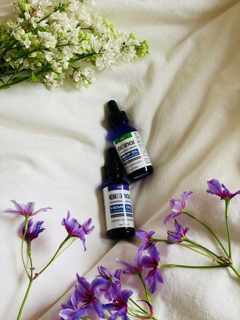 Flower, Purple, Violet, Lavender, Bottle, Cut flowers, Lilac, Plant, Lavender, Still life,