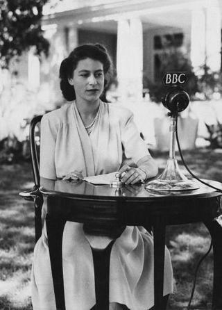 11枚の写真で振り返るエリザベス女王の青年時代