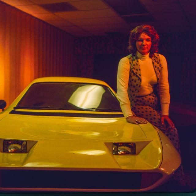 elizabeth carmichael and the dale car