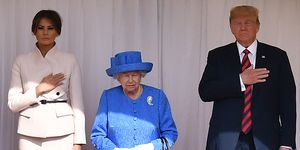 queen elizabeth donald trump broche