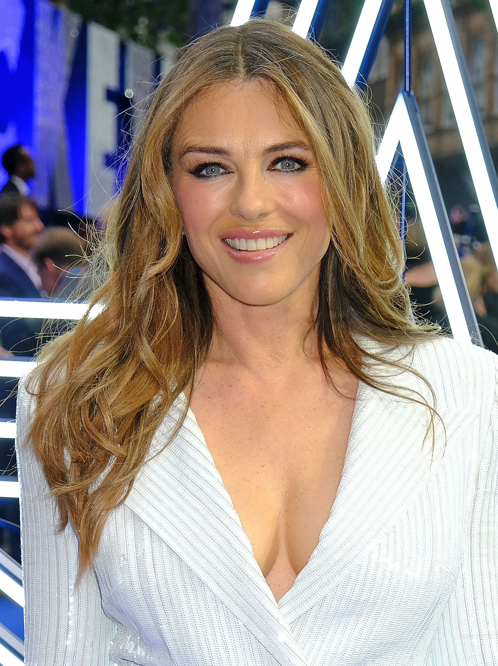 Elizabeth Hurley Just Posted A New Bikini Photo Showing Off Her Crazy Toned Abs On Instagram