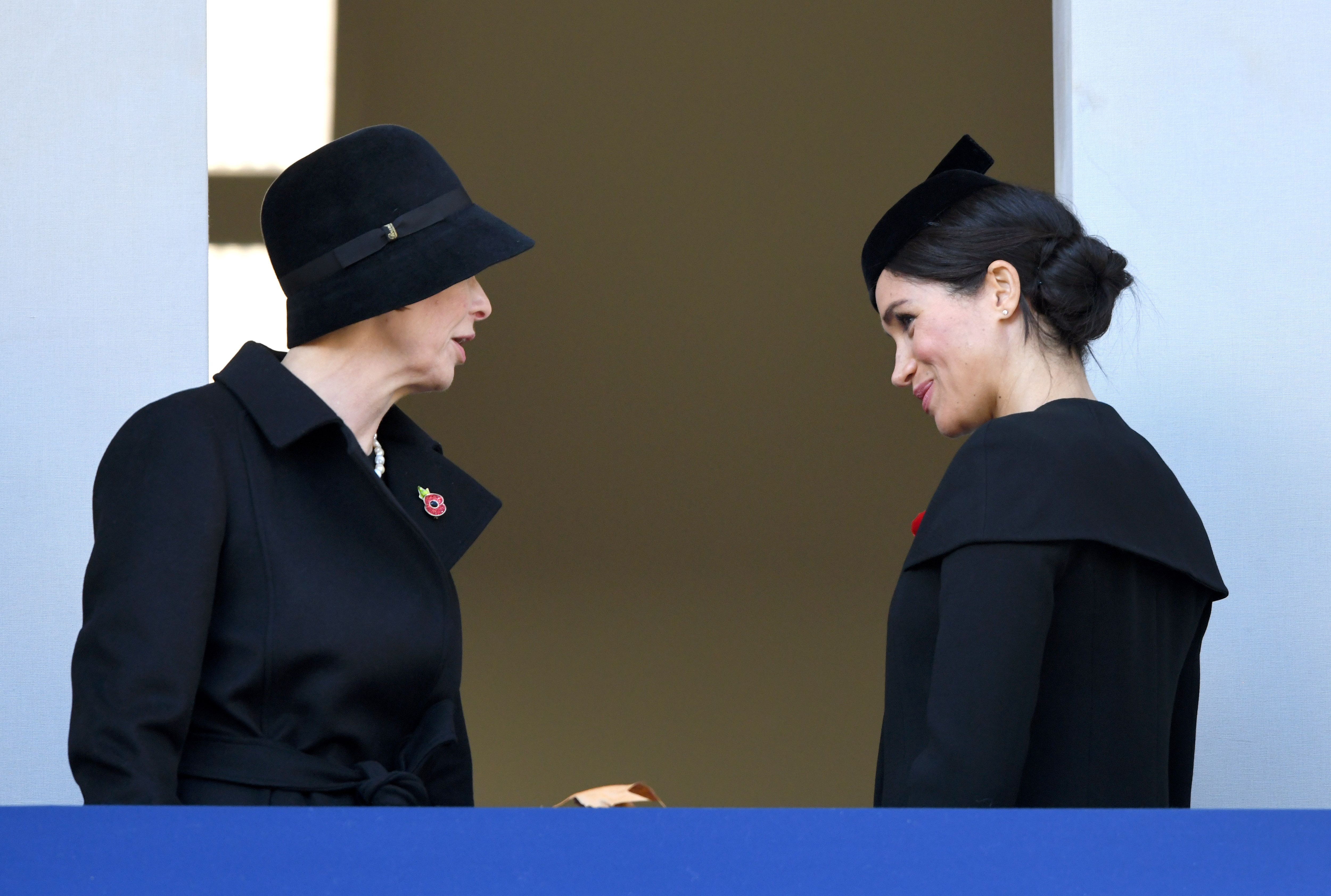 photos of meghan markle kate middleton attending the remembrance day centenary service harper s bazaar