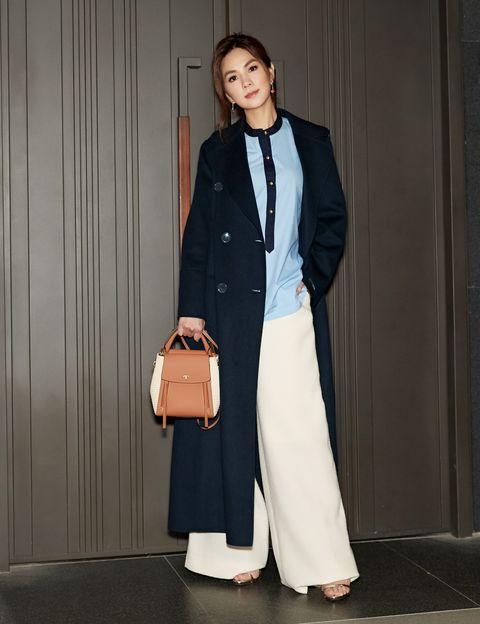 Clothing, White, Fashion, Formal wear, Blazer, Outerwear, Shoulder, Street fashion, Coat, Suit,