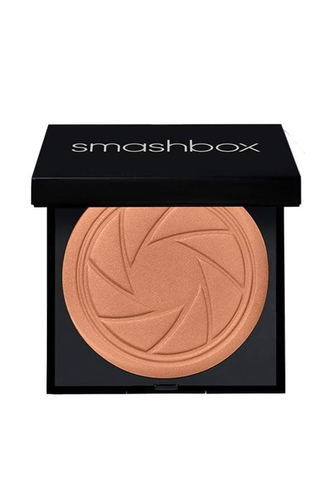 Eye shadow, Cosmetics, Beauty, Eye, Face powder, Beige, Skin, Brown, Organ, Cream,