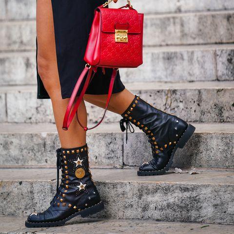 shoppingbotas y botines con tachas, perlas y correas adornos de Bershka, Stradivarius, H&M, Zara, Mango, Pull&bear e Inditex