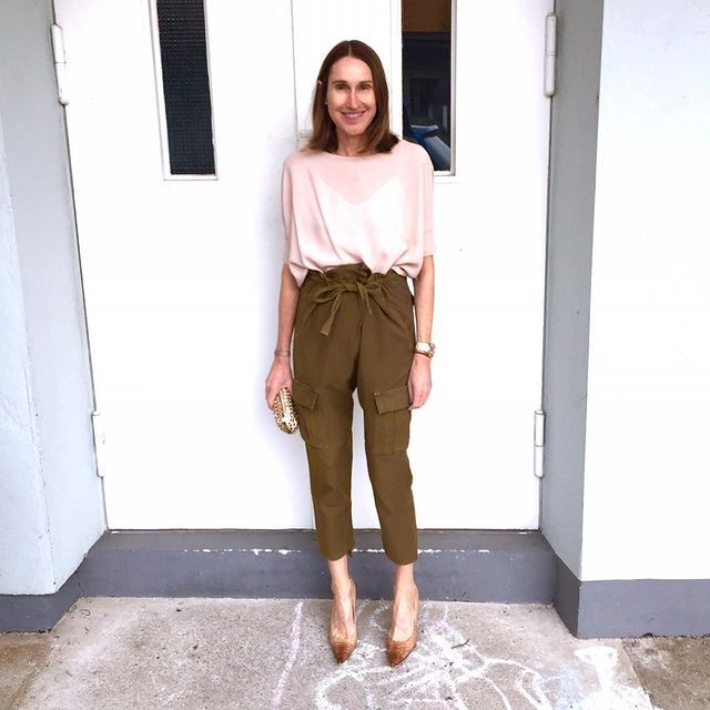 como combinar pantalones verde khaki looks