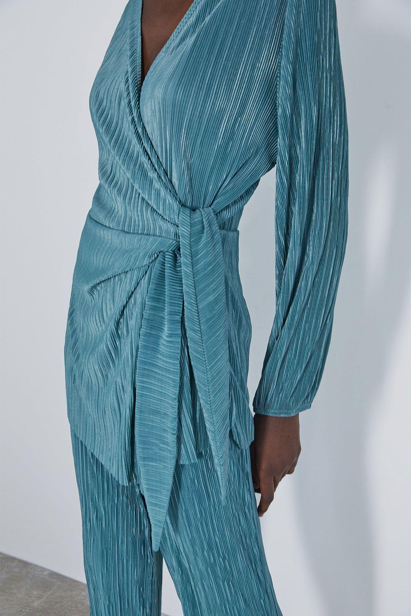 El conjunto cruzado de Zara que han agotado las expertas de moda