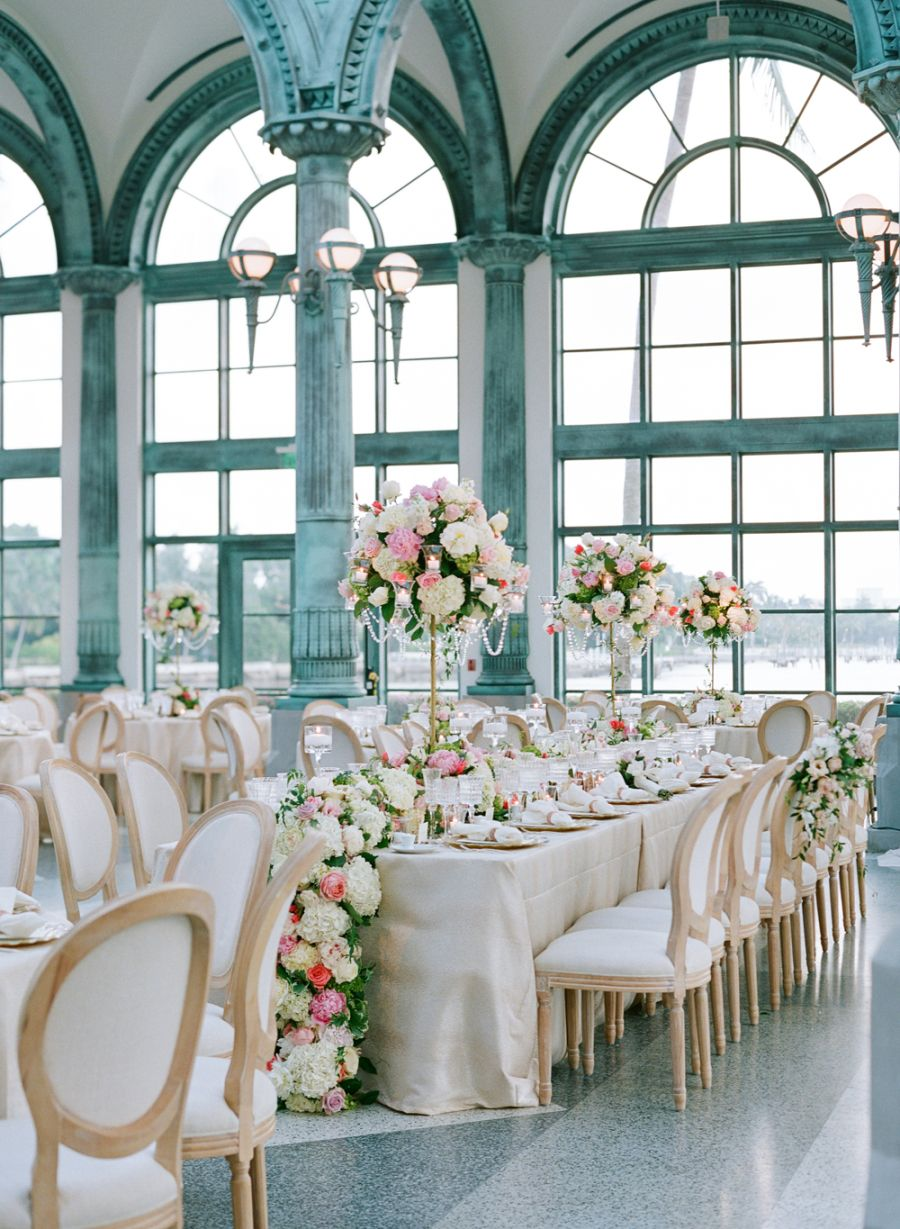 20 best wedding flower centerpiece ideas rustic and modern table rh elledecor com  contemporary floral wedding centerpieces