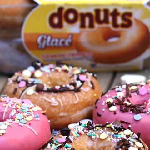 Food, Cuisine, Doughnut, Baking, Baked goods, Dish, Sprinkles, Sweetness, Ingredient, Pastry,