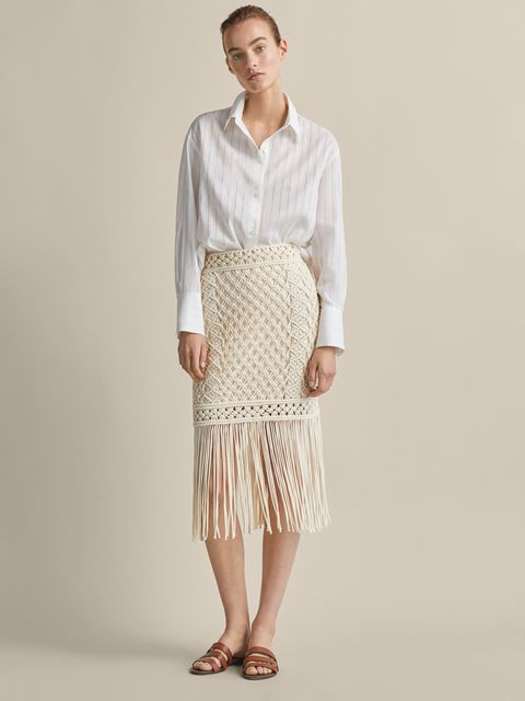 cbab6f0b8f La falda midi de Massimo Dutti de crochet más bonita del mundo