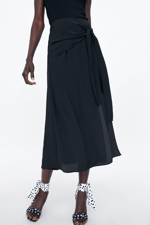 44cd9ae262 La falda larga pantalón de Zara que está arrasando en ventas en su tienda