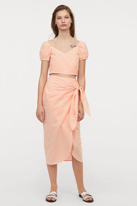 mejor servicio dc4af eb107 Esta falda larga tipo pareo de H&M se vende para altas y bajas