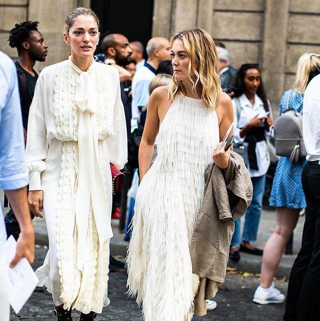 el vestido blanco de flecos  zara de marta ortega nueva versión