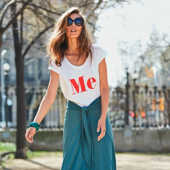 la falda que se convierte en vestido es española