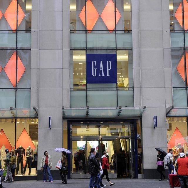 gap abre por fin su primera tienda en españa gap en barcelona