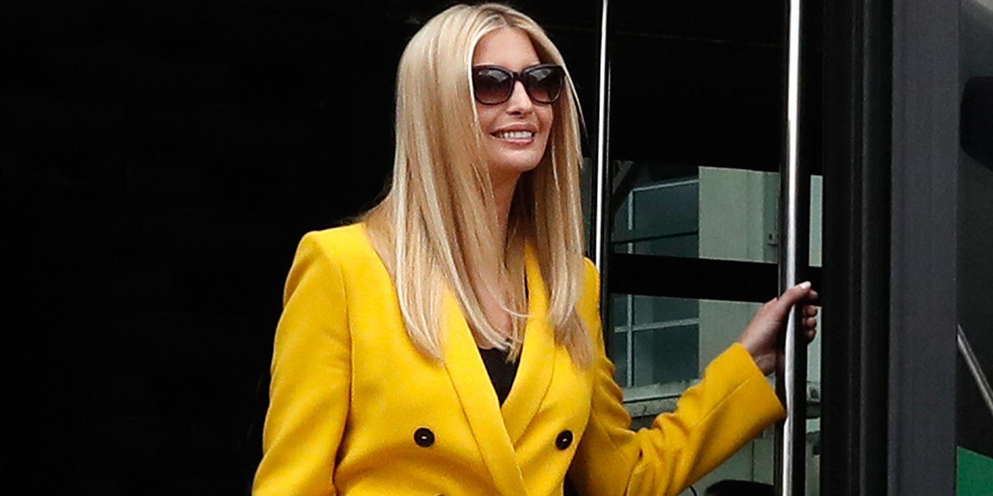 Ivanka Trump con un traje de chaqueta amarillo de Zara de