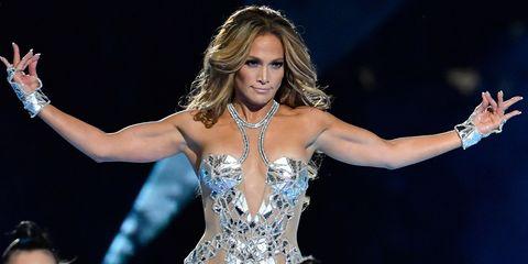 Jennifer Lopez y su vídeo haciendo ejercicio en casa