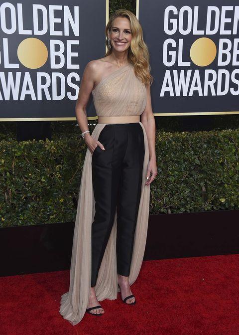 Julia Roberts invitadas con pantalones