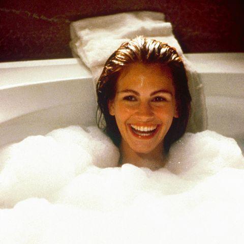 julia roberts en pretty woman en la escena de la bañera