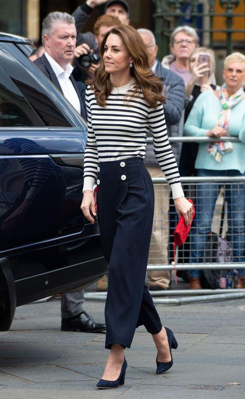 Kate Middleton rayas marineras