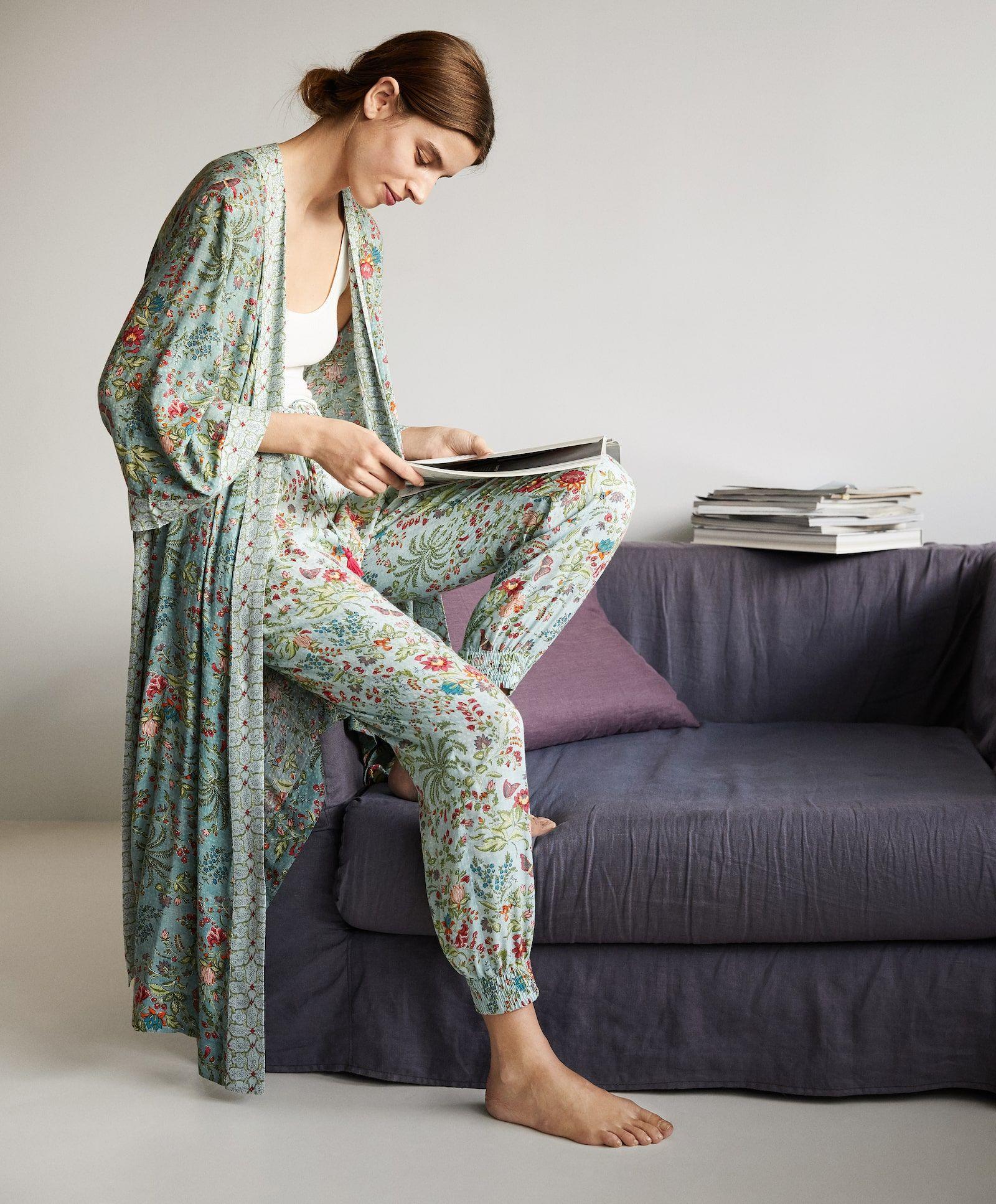 La Prenda Tipo Kimono Batín De Oysho Más Bonito Hasta La Fecha