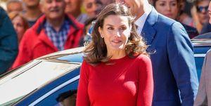 La reina Letizia con pantalones culotte de Carolina Herrera