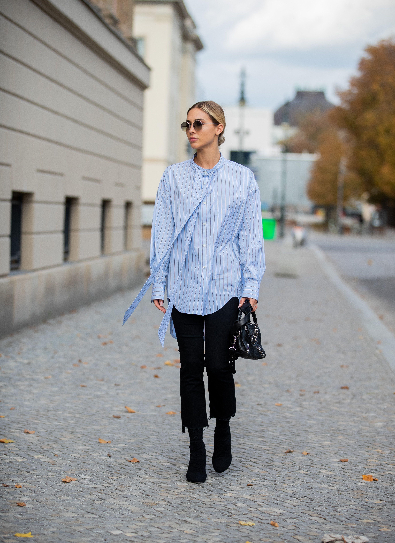 Looks con camisa azul, el básico que vuelve a estar de moda