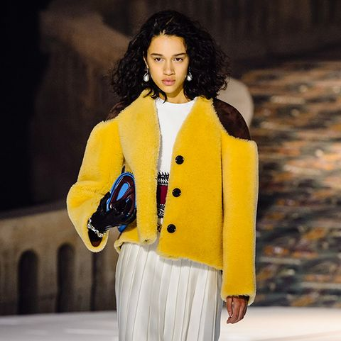 Paris Fashion Week Fall Winter 2018 Runway Shows All The Looks From Pfw