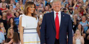 Melania Trump vestido midi blanco 4 julio