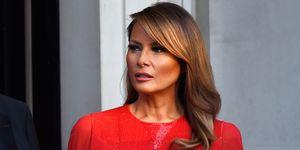 Melanita Trump vestido capa rojo reina Letizia