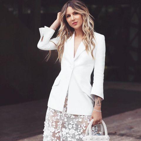 novia falda larga encaje americana blazer blanca instagram