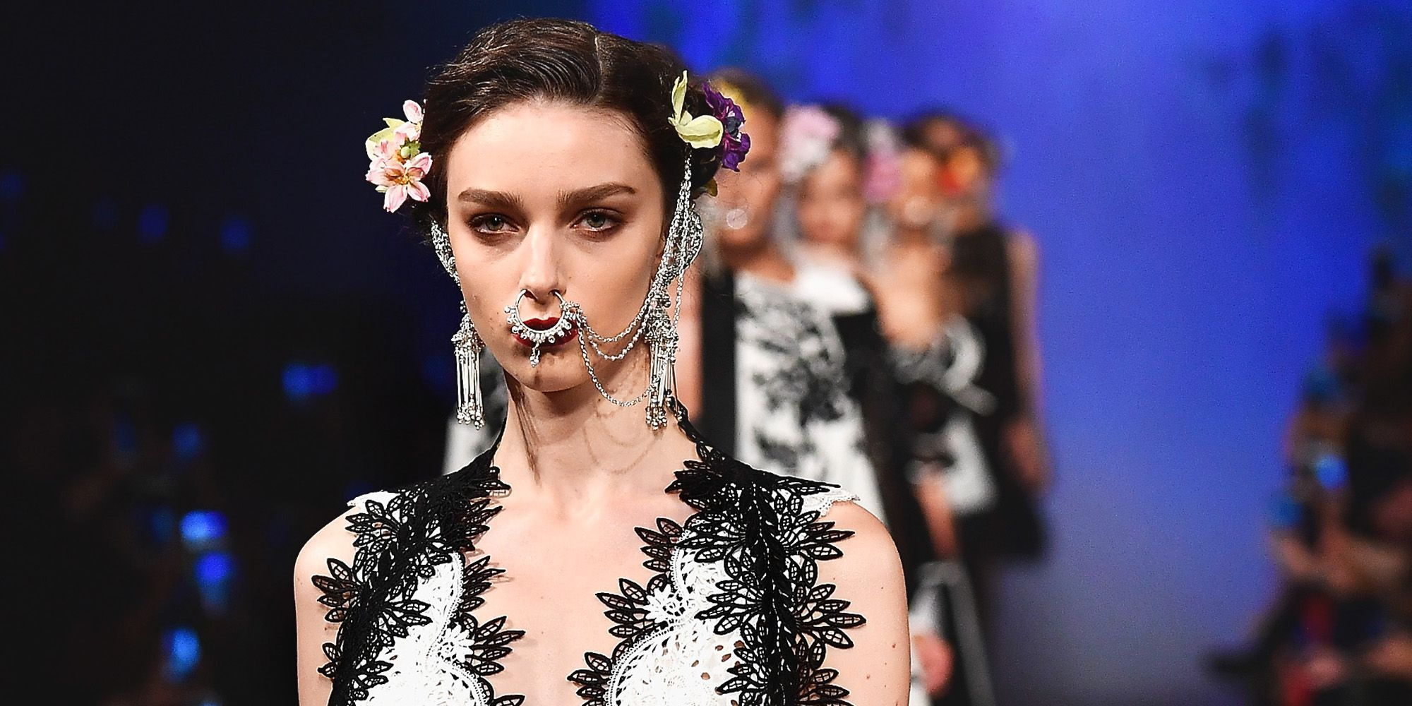 ad03724437b46 Spring 2018 Accessory Trends- The Best Jewelry, Sunglasses, And More ...