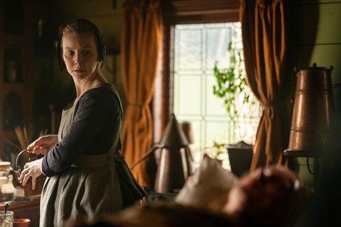 lauren lyle in outlander season 5
