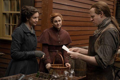 claire and brianna in outlander season 5 episode 10