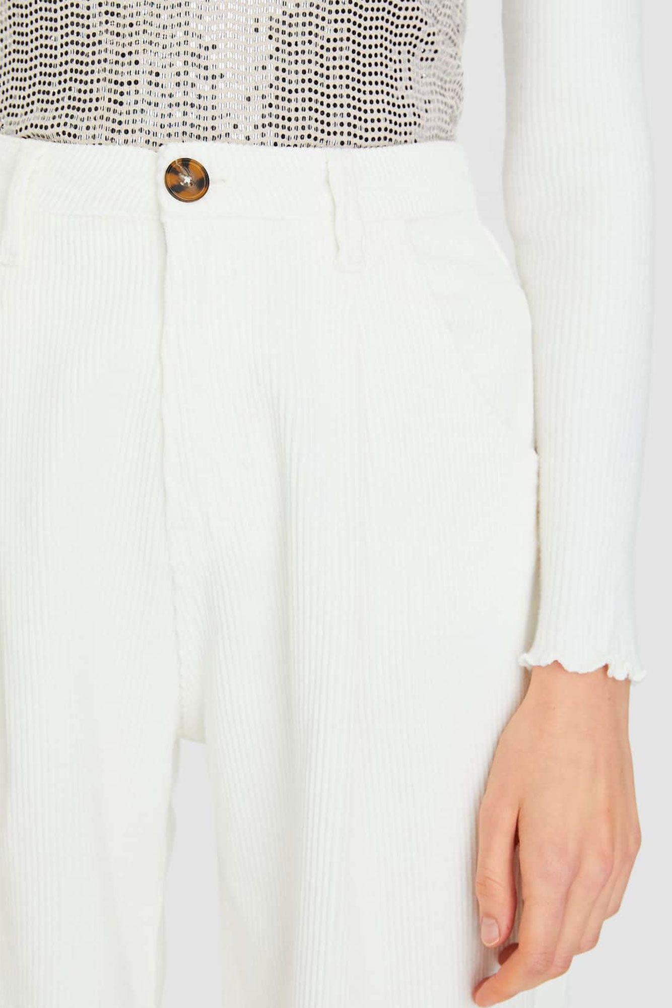 El Pantalon Blanco Slouchy De Stradivarius Que Mas Estiliza