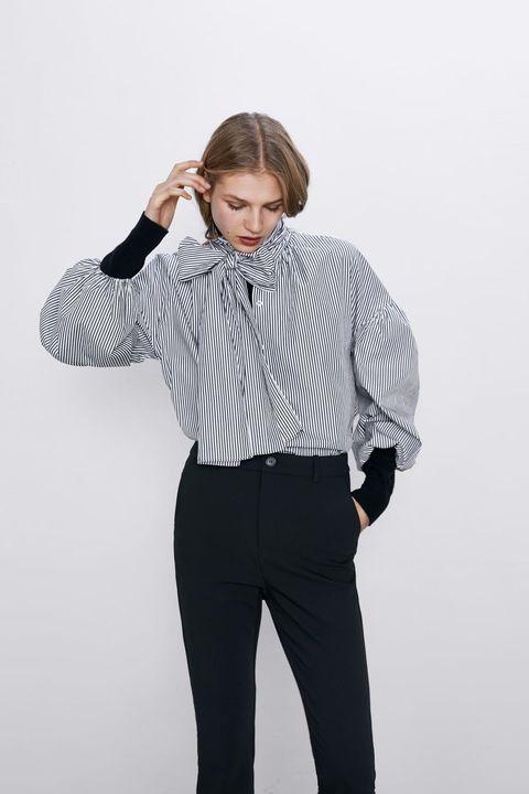 En Zara Crean El Pantalón De Vestir Negro Que Reduce Una Talla
