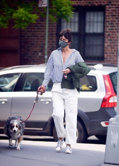 helena christensen with white pants