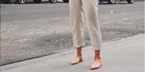 3d9563a15 shopping pantalones tobilleros de Bershka que estilizan aunque los lleves  sin tacones