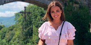 Paula Echevarría vestido corto rosa volantes
