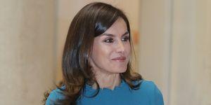 reina Letizia Zara mono plisado azul de pantalón culotte