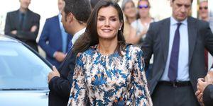 reina Letizia vestido midi estampado de Sandro