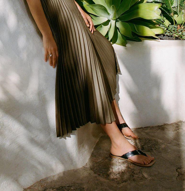 Las inéditas sandalias planas de Mango que llevaremos en julio