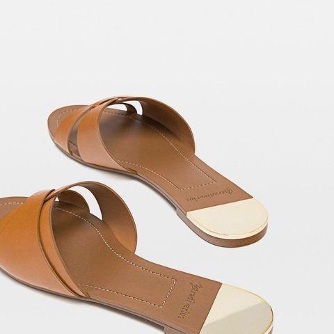 20b1e73ceb1 Las sandalias planas de rebajas de Stradivarius para tus looks