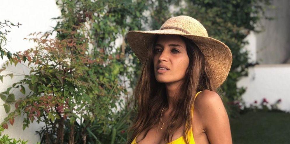 2e263bb113c8 Sara Carbonero tiene el bañador de Calzedonia que más favorece