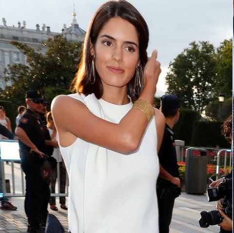 Sofía Palazuelo la reina Letizia vestido midi blanco